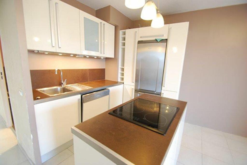 Appartement à louer 2 43.67m2 à Antibes vignette-3