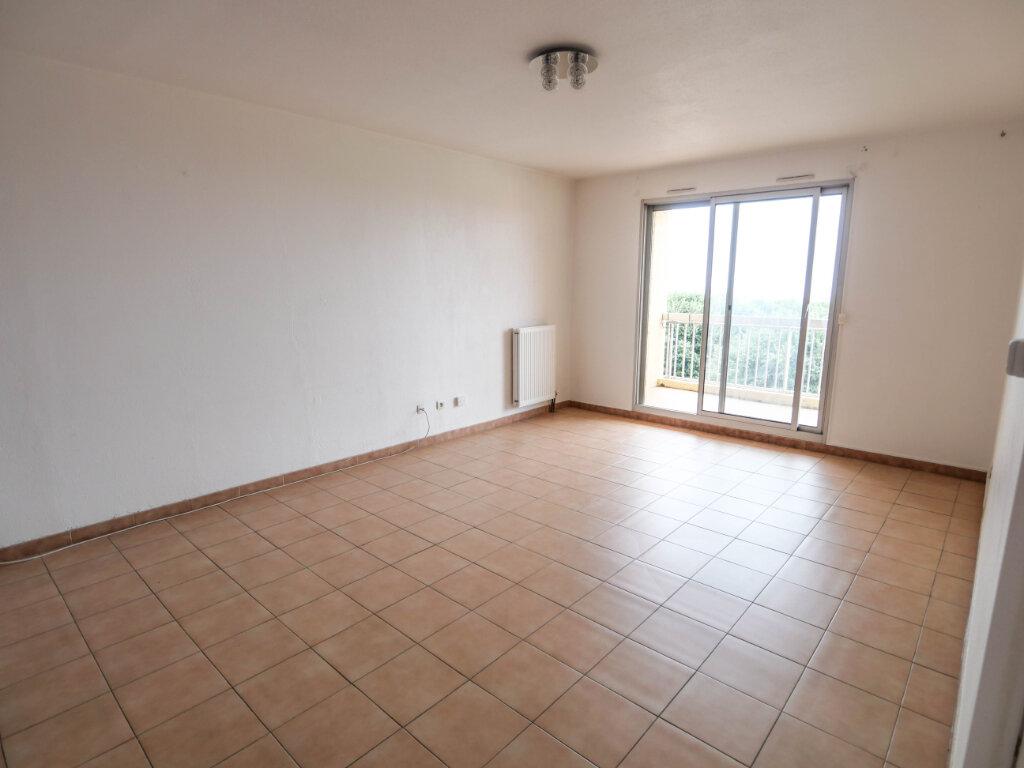 Appartement à louer 3 61.9m2 à Antibes vignette-2