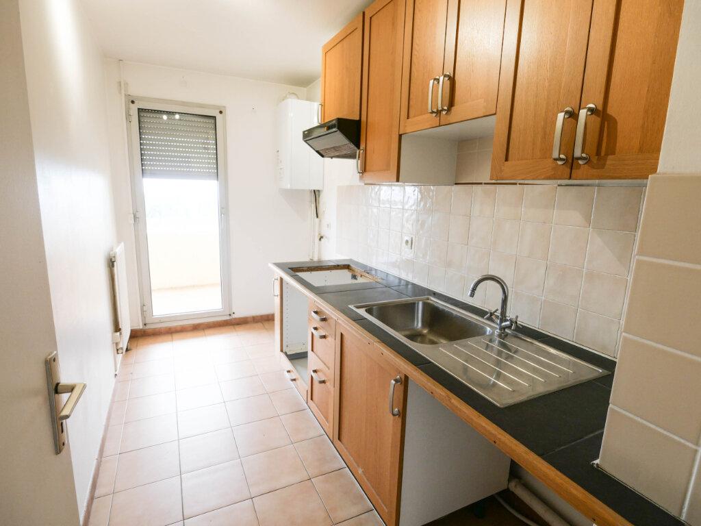 Appartement à louer 3 61.9m2 à Antibes vignette-3