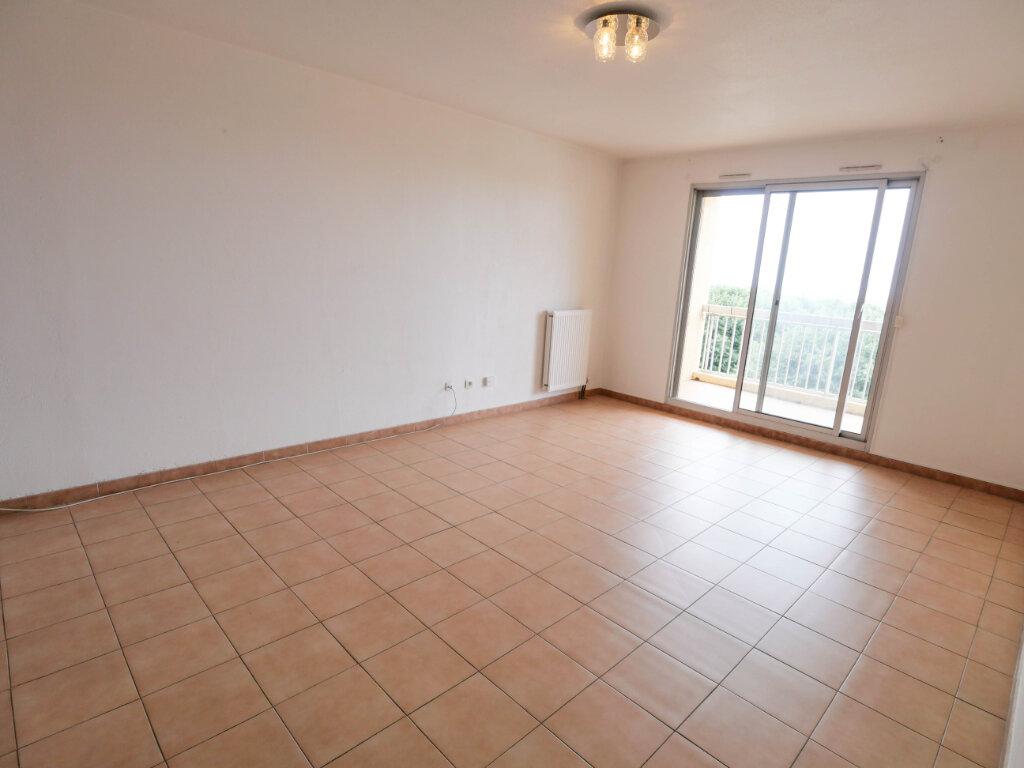 Appartement à louer 3 61.9m2 à Antibes vignette-4