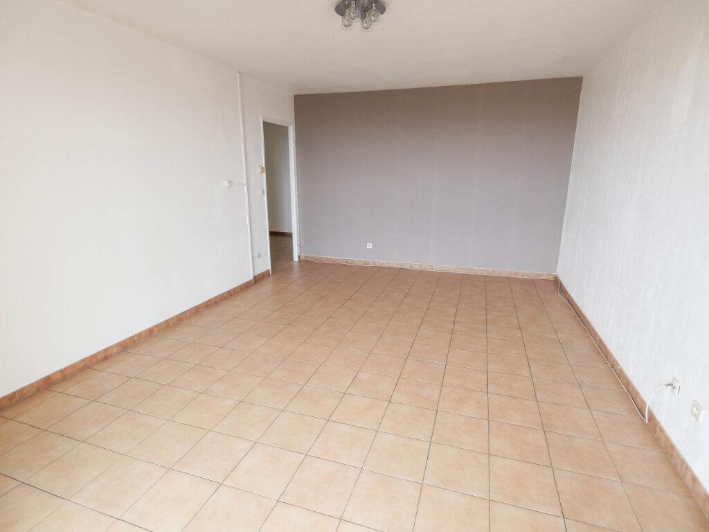 Appartement à louer 3 61.9m2 à Antibes vignette-6
