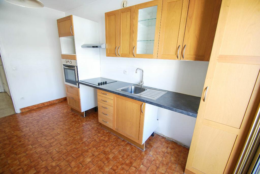 Appartement à louer 3 71.07m2 à Antibes vignette-4