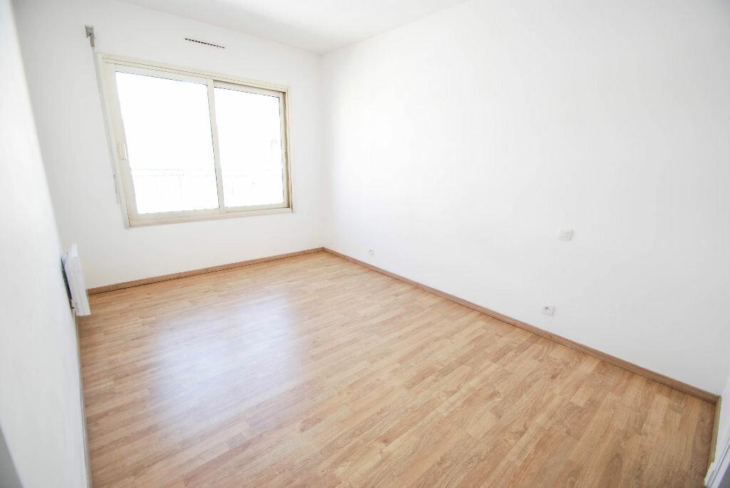 Appartement à louer 3 71.07m2 à Antibes vignette-5