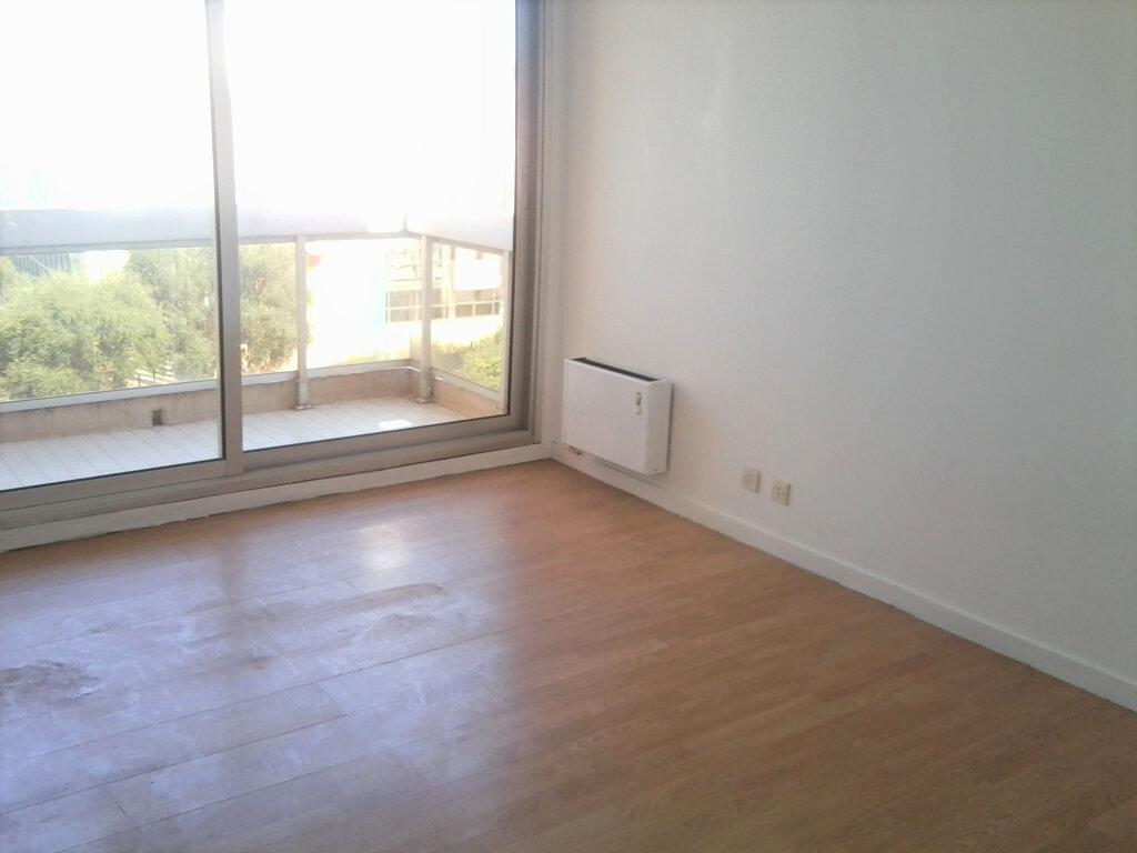Appartement à louer 2 39m2 à Juan-les-Pins - Antibes vignette-3