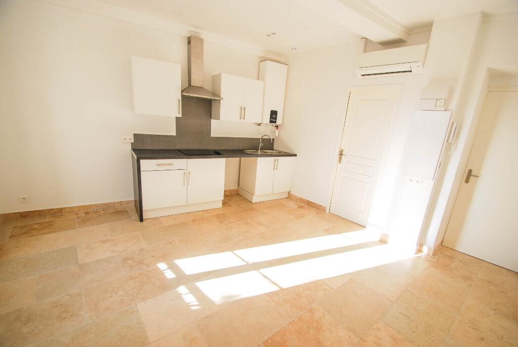 Appartement à louer 2 28.7m2 à Biot vignette-2