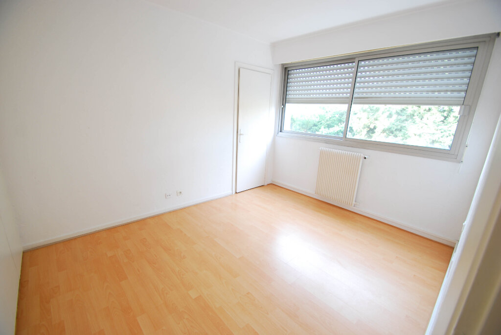 Appartement à louer 3 75.49m2 à Antibes vignette-10