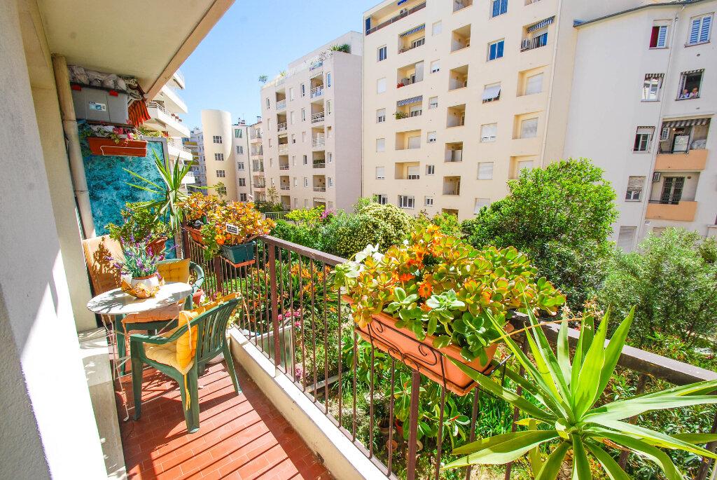 Appartement à vendre 2 44m2 à Antibes vignette-1