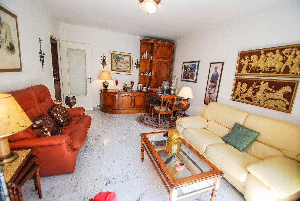 Appartement à vendre 2 44m2 à Antibes vignette-2