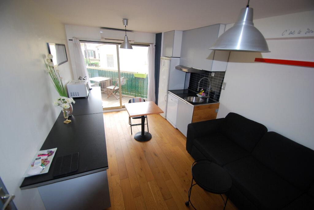 Appartement à vendre 2 32m2 à Antibes vignette-2