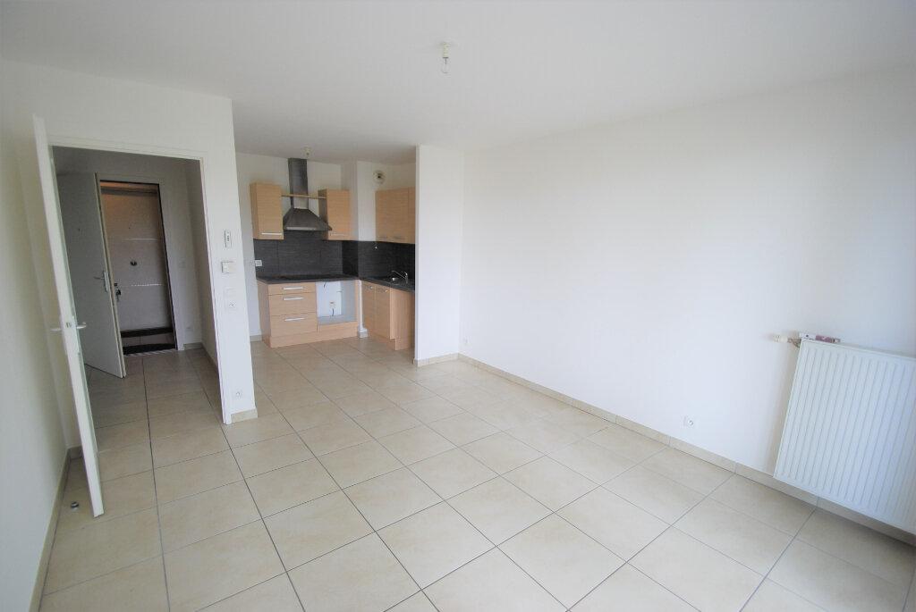 Appartement à louer 2 42m2 à Antibes vignette-2