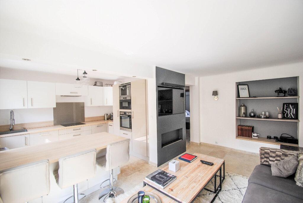 Appartement à vendre 3 62.01m2 à Antibes vignette-1