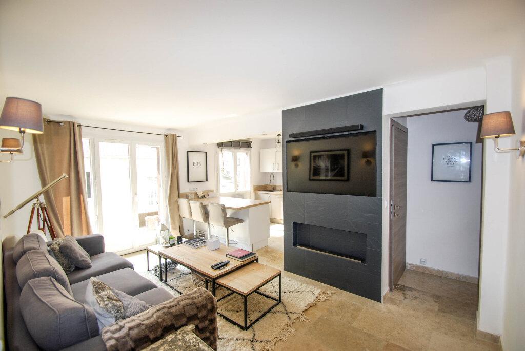 Appartement à vendre 3 62.01m2 à Antibes vignette-2