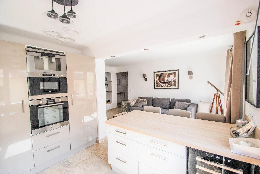 Appartement à vendre 3 62.01m2 à Antibes vignette-3