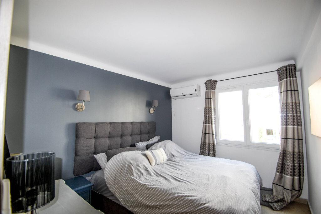 Appartement à vendre 3 62.01m2 à Antibes vignette-4