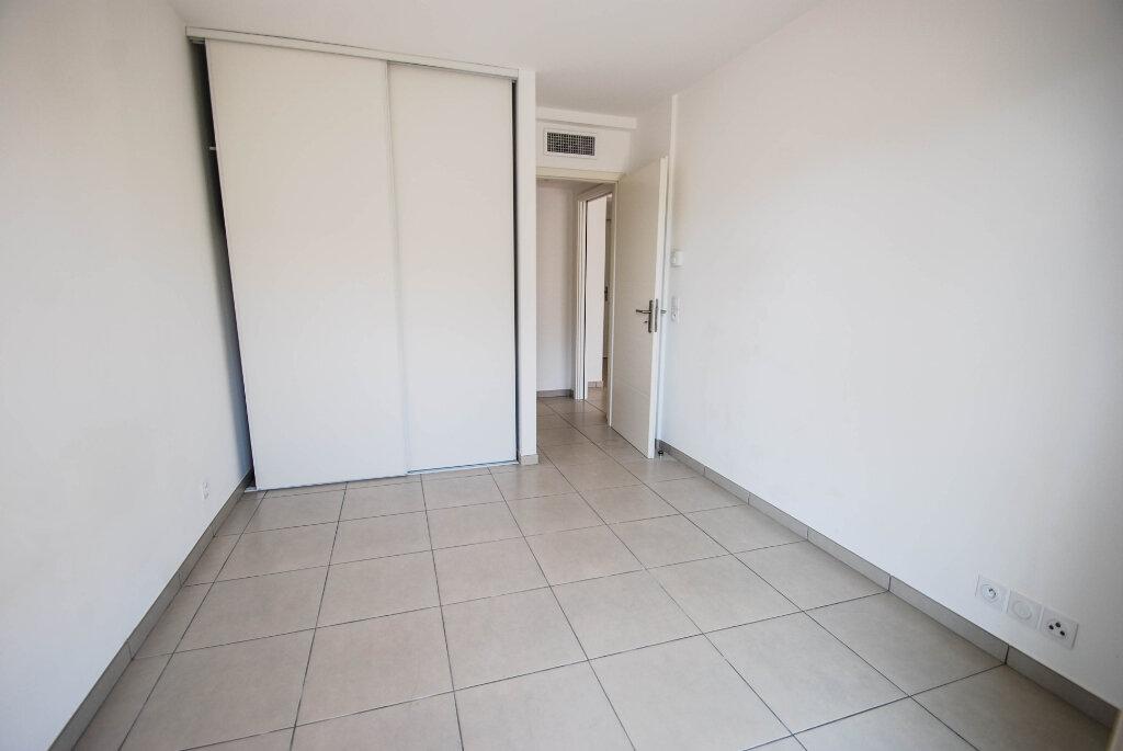 Appartement à louer 2 47.48m2 à Antibes vignette-6