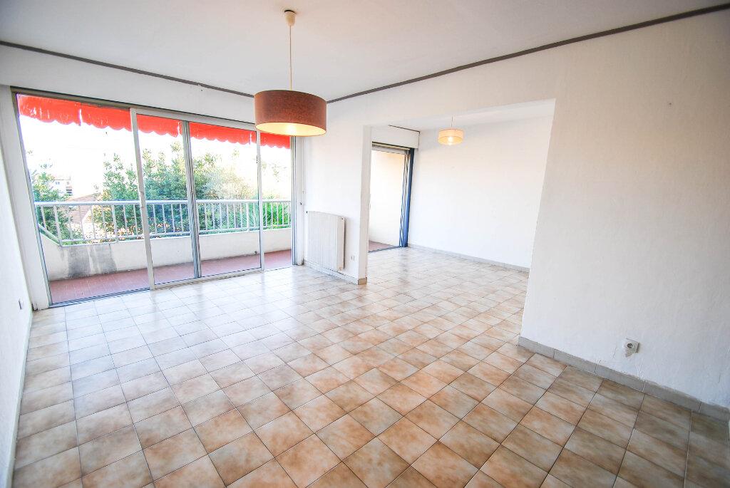 Appartement à vendre 4 71m2 à Antibes vignette-4