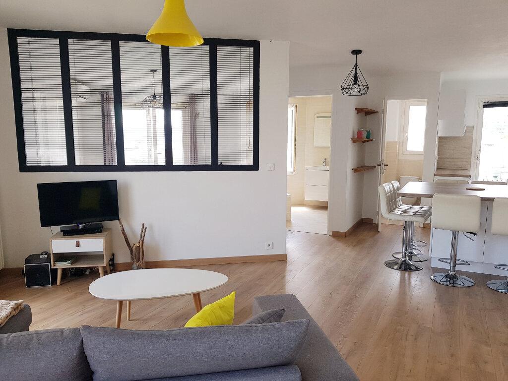 Appartement à vendre 3 64.24m2 à Juan-les-Pins - Antibes vignette-1