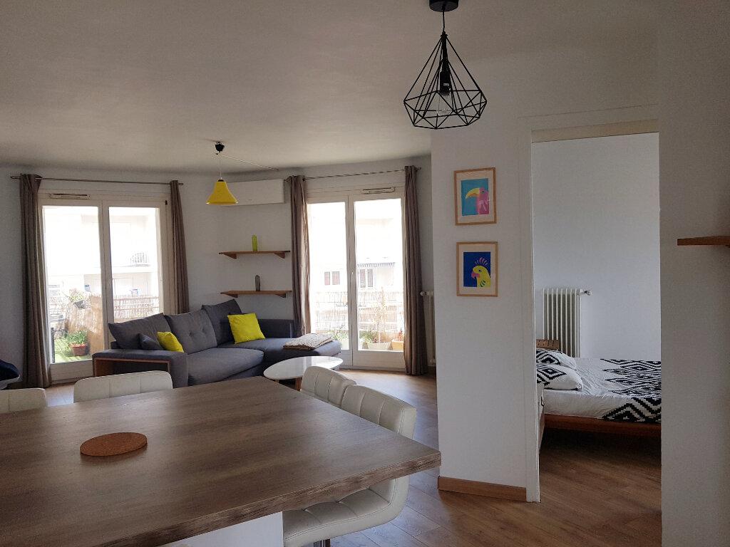 Appartement à vendre 3 64.24m2 à Juan-les-Pins - Antibes vignette-2