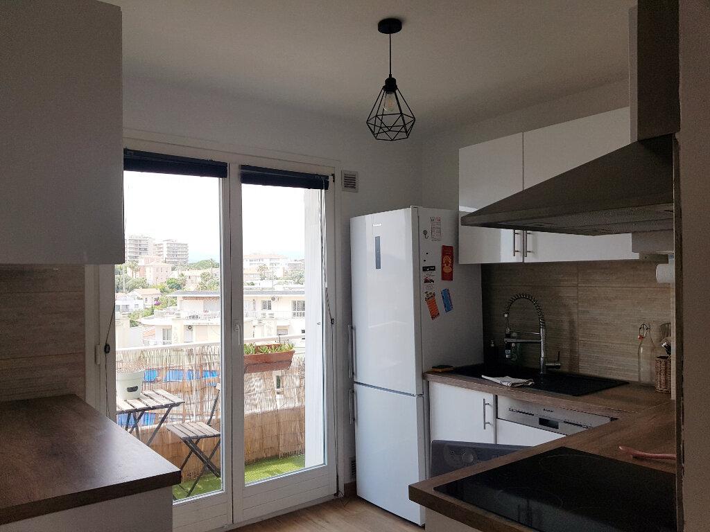 Appartement à vendre 3 64.24m2 à Juan-les-Pins - Antibes vignette-4
