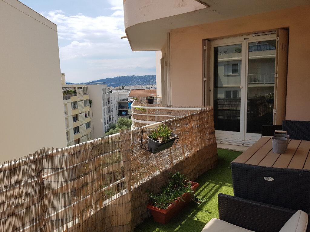 Appartement à vendre 3 64.24m2 à Juan-les-Pins - Antibes vignette-6