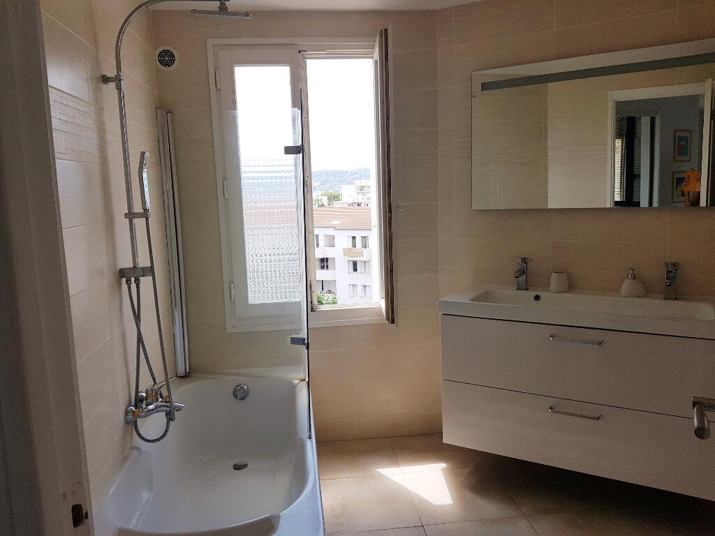 Appartement à vendre 3 64.24m2 à Juan-les-Pins - Antibes vignette-7