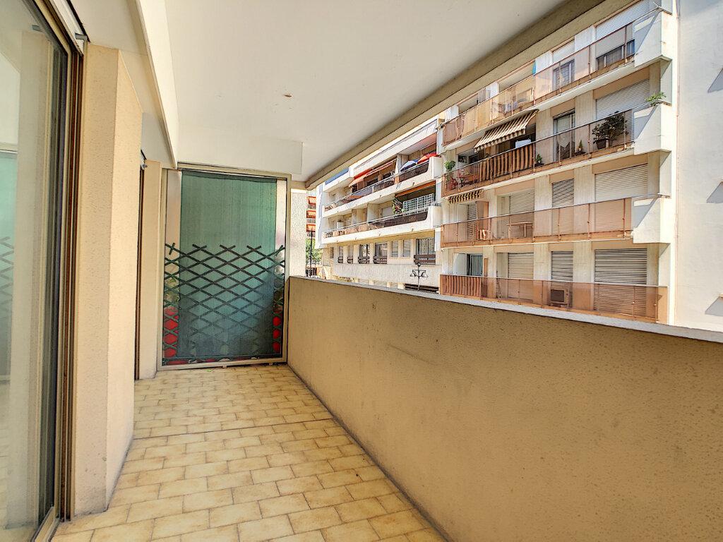 Appartement à vendre 2 36.06m2 à Antibes vignette-2