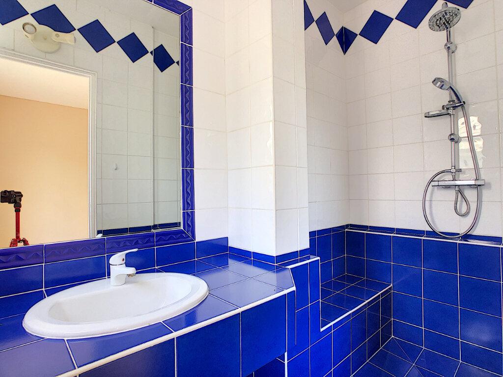 Appartement à vendre 4 107.73m2 à Antibes vignette-9