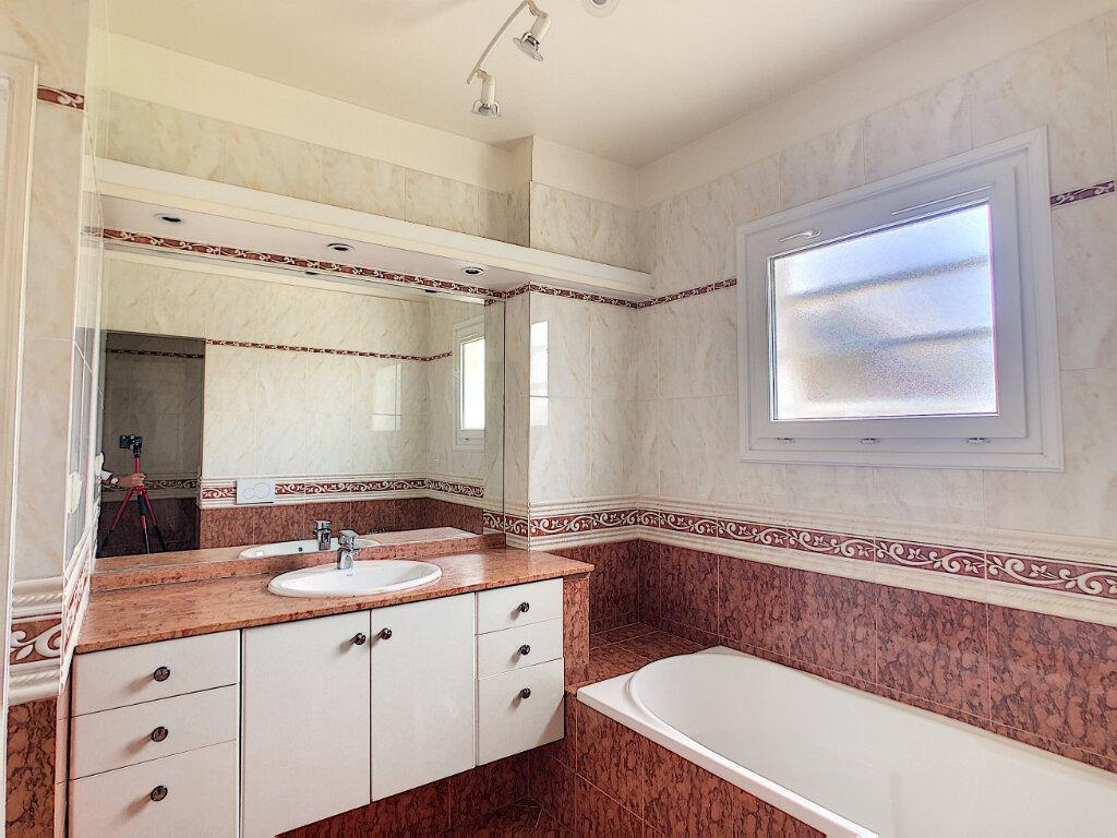 Appartement à vendre 4 107.73m2 à Antibes vignette-10