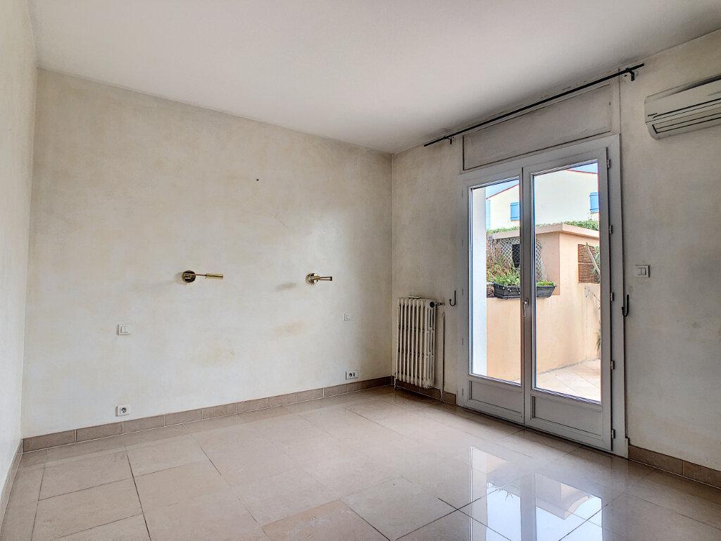 Appartement à vendre 4 107.73m2 à Antibes vignette-13