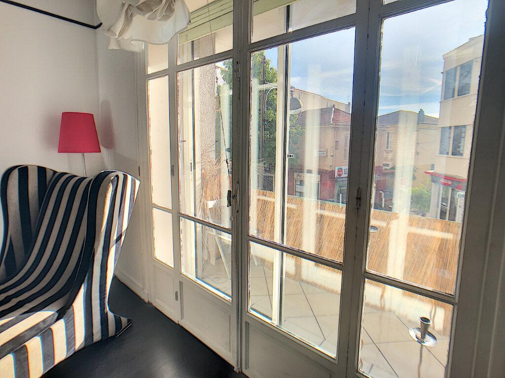 Appartement à vendre 2 51.16m2 à Antibes vignette-2