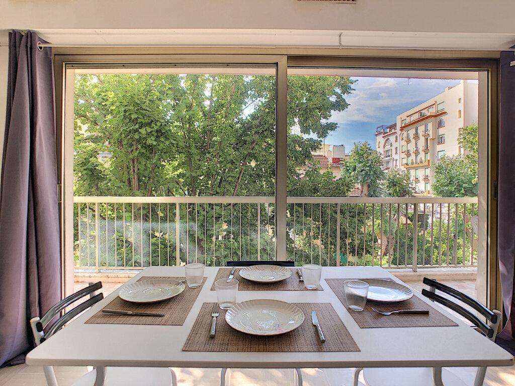 Appartement à vendre 1 34.43m2 à Juan-les-Pins - Antibes vignette-4
