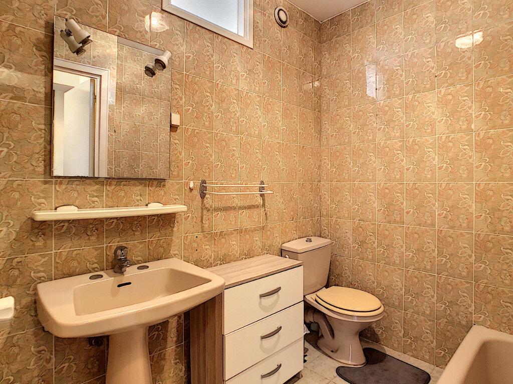 Appartement à vendre 1 34.43m2 à Juan-les-Pins - Antibes vignette-8