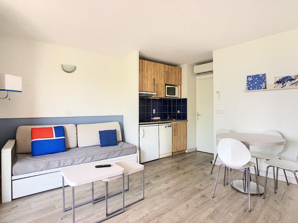 Appartement à vendre 2 45m2 à Antibes vignette-6
