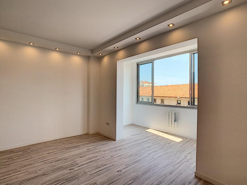 Appartement à vendre 4 78.24m2 à Cannes vignette-4