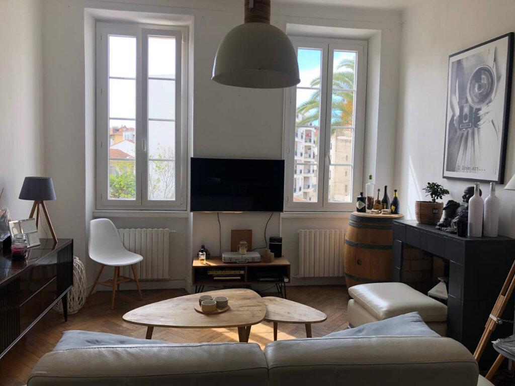 Appartement à vendre 3 60.97m2 à Cannes vignette-1