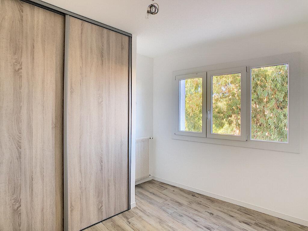 Appartement à vendre 4 70.48m2 à Golfe Juan - Vallauris vignette-6