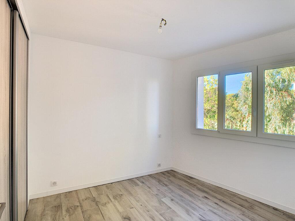 Appartement à vendre 4 70.48m2 à Golfe Juan - Vallauris vignette-7