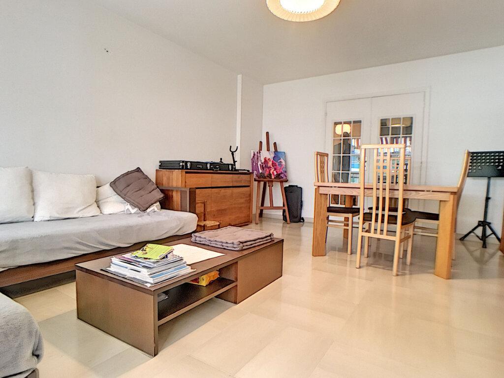Appartement à vendre 3 85.04m2 à Juan-les-Pins - Antibes vignette-2