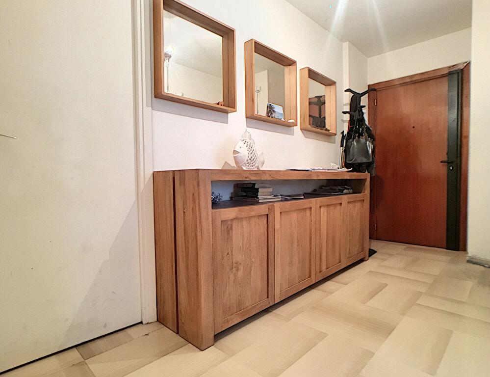 Appartement à vendre 3 85.04m2 à Juan-les-Pins - Antibes vignette-5