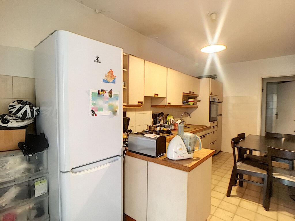 Appartement à vendre 3 85.04m2 à Juan-les-Pins - Antibes vignette-9