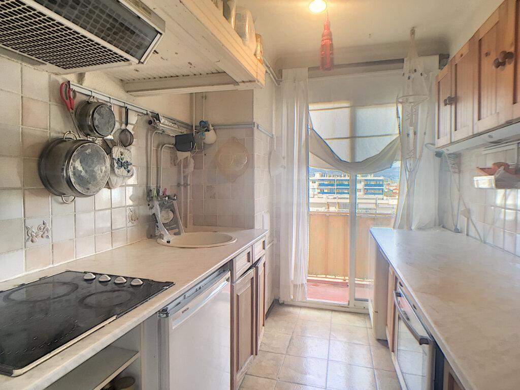 Appartement à vendre 3 63.43m2 à Antibes vignette-5
