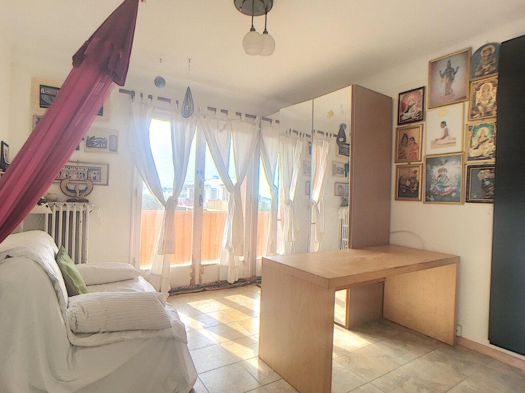 Appartement à vendre 3 63.43m2 à Antibes vignette-6