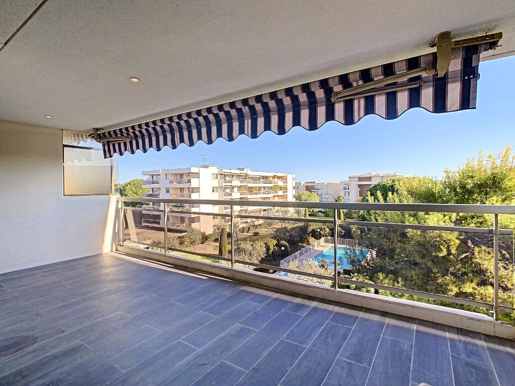 Appartement à vendre 3 73.35m2 à Antibes vignette-2