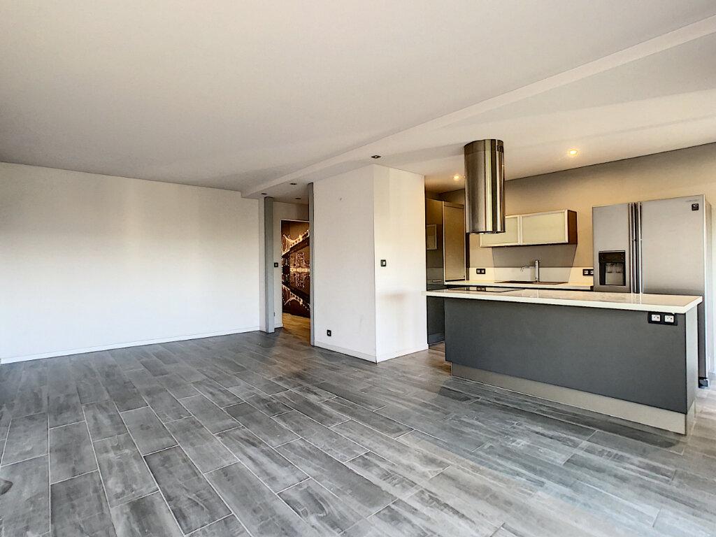 Appartement à vendre 3 73.35m2 à Antibes vignette-5