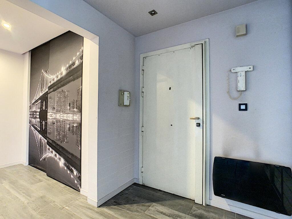 Appartement à vendre 3 73.35m2 à Antibes vignette-6