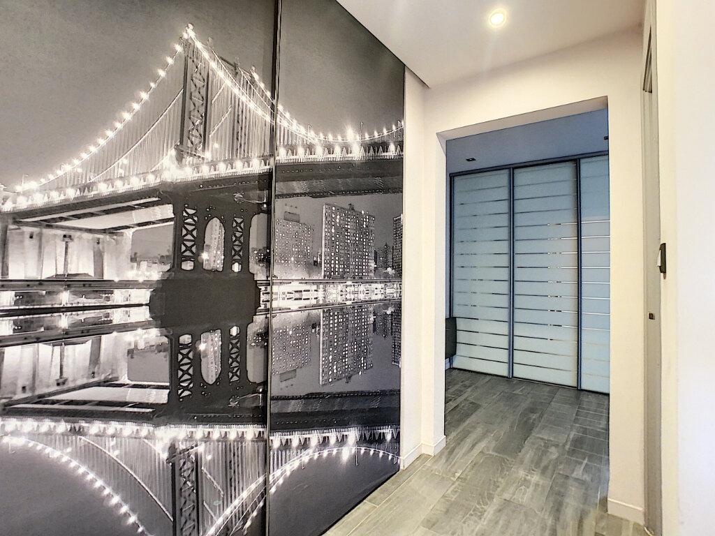 Appartement à vendre 3 73.35m2 à Antibes vignette-10