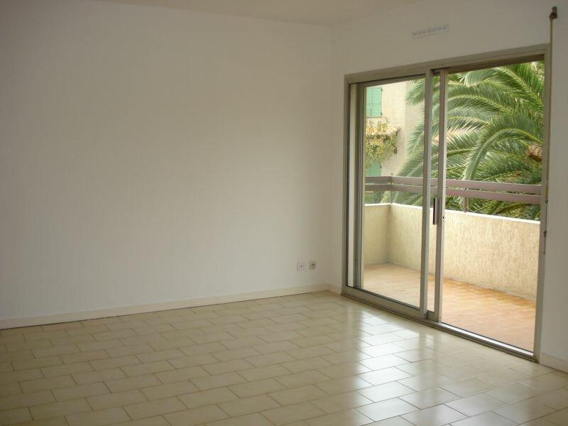 Appartement à louer 1 29.24m2 à Cagnes-sur-Mer vignette-3