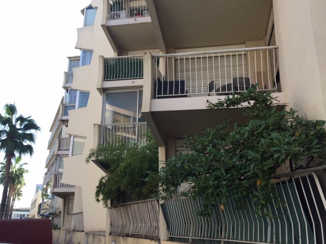 Appartement à louer 2 43m2 à Saint-Laurent-du-Var vignette-3