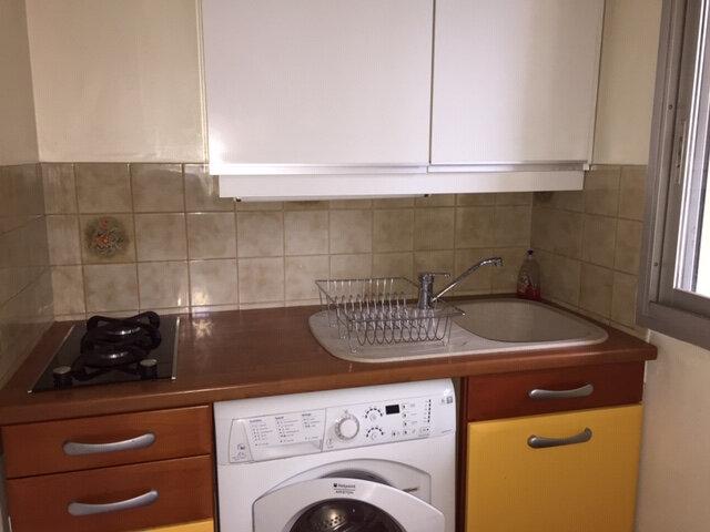 Appartement à louer 1 29.06m2 à Cagnes-sur-Mer vignette-3