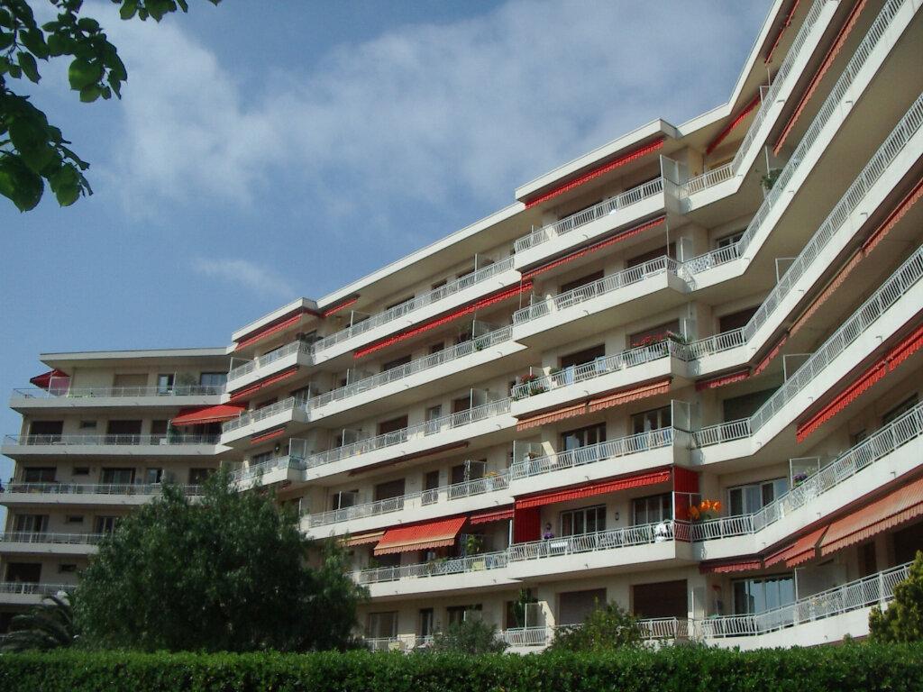 Appartement à louer 1 33.16m2 à Cagnes-sur-Mer vignette-1